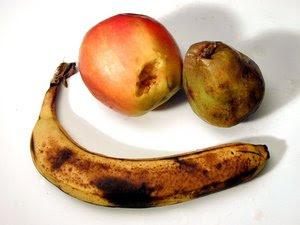 300px-rotting_fruit