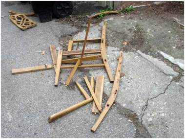 broken_chair-1