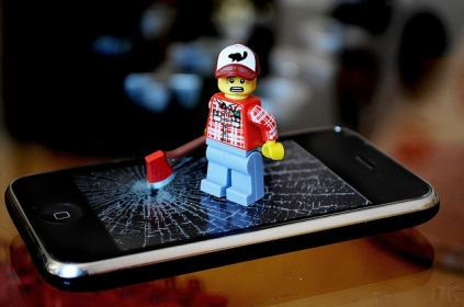 lego-iphone-break